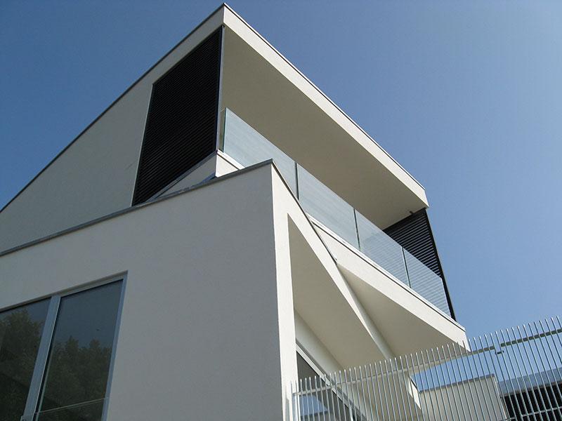 Abitazione con serramenti in alluminio Teken